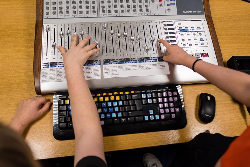 Music Tech_1000a