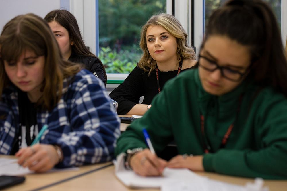 Scarborough_6th_Form_College_2017-401_1000